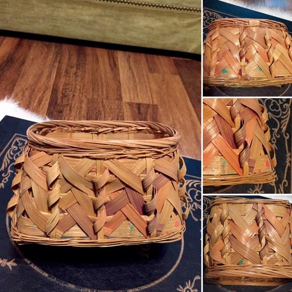 🦋2/$10 3/$15 4/$18 5/$20 Vintage 80s Basket